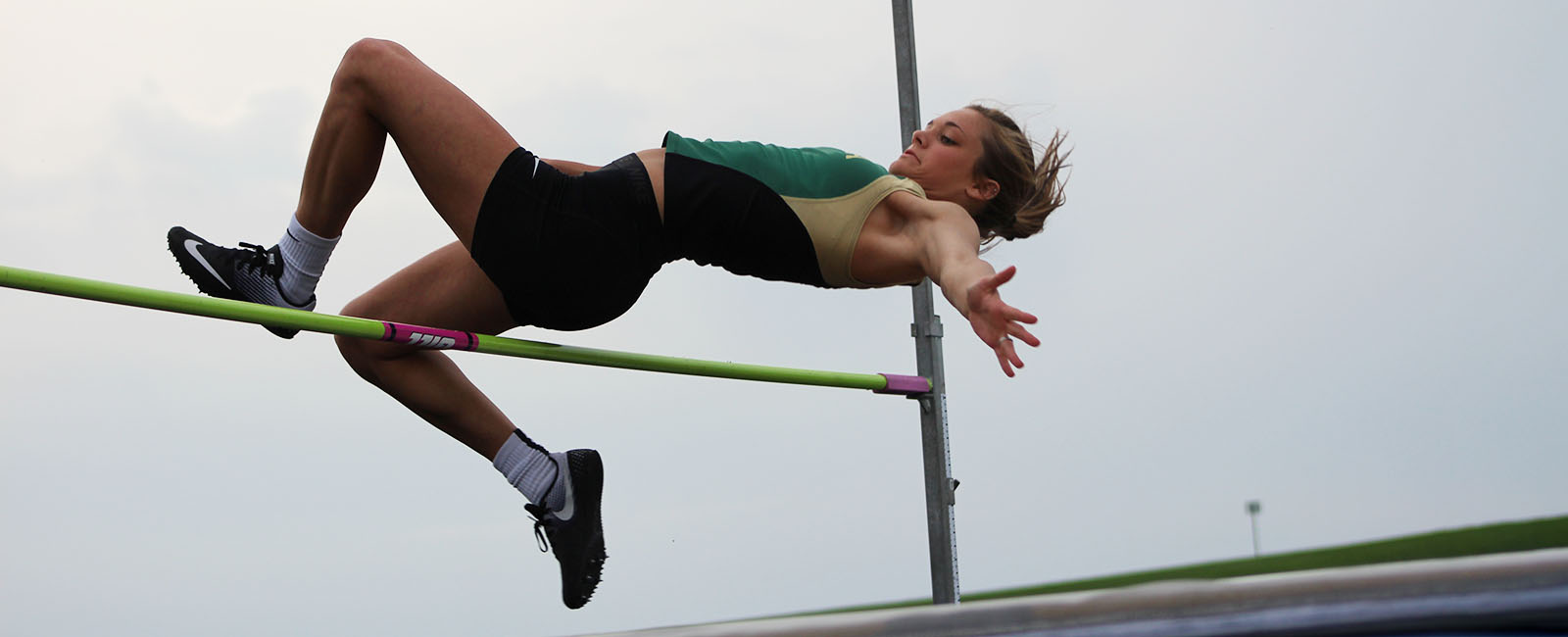 girl high jumping